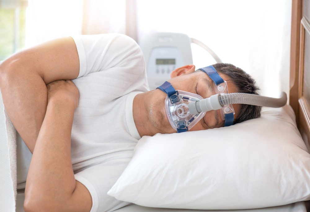 Sleeping-with-a-cpap-machine